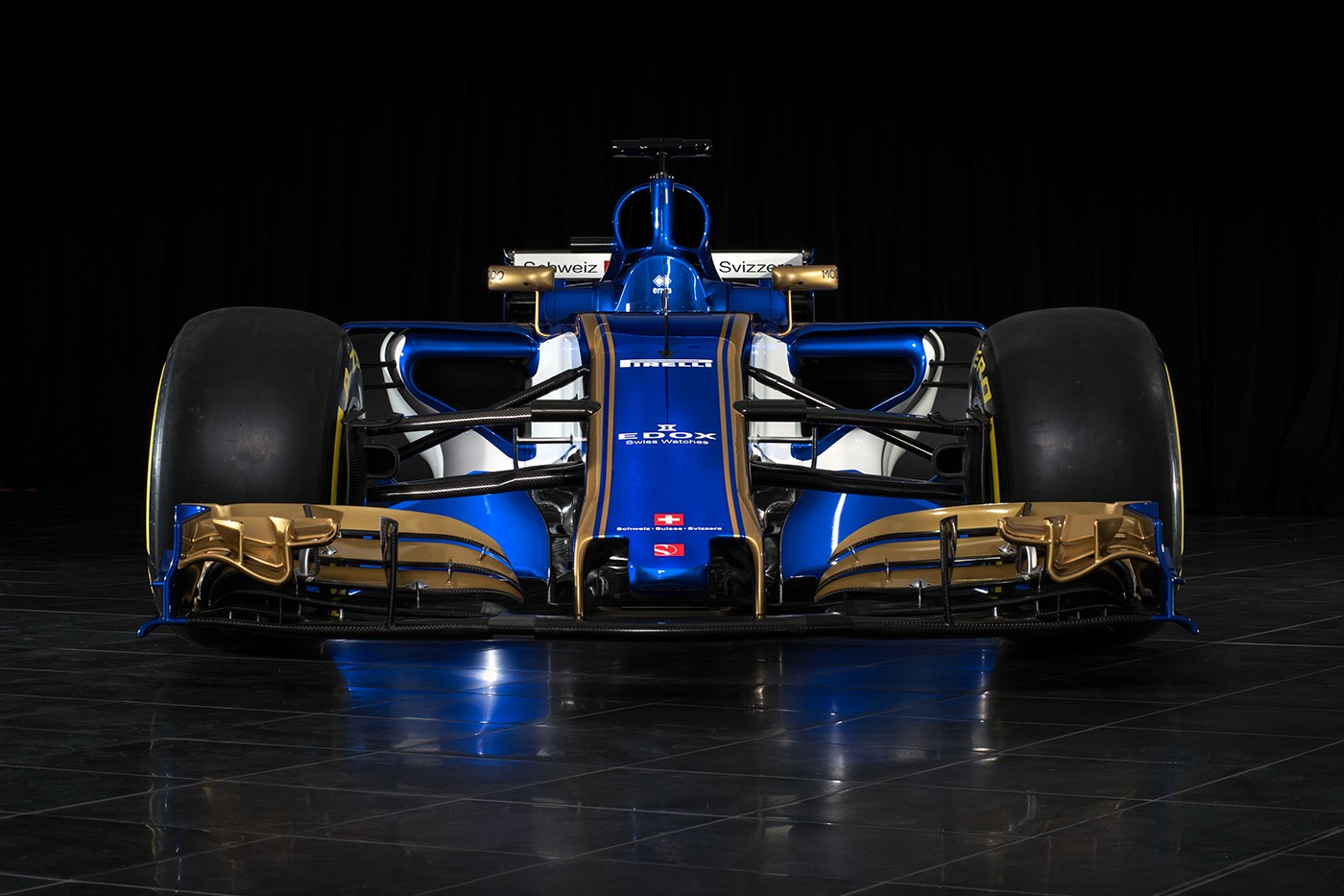 The new Sauber C36-Ferrari bearing the Erreà Sport logo presented!