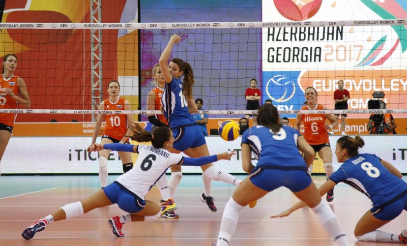 Women's European Volleyball Championship: Netherlands beat Italy in the Erreà derby to book their place in the semi-finals!